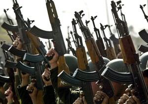 Источник Reuters: В НАТО хотят, чтобы Россия предоставляла союзникам в Афганистане АК-47 и нефть