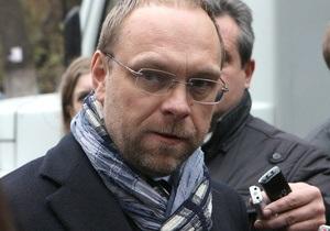 Власенко о допросе Тимошенко: Паяльные лампы не включали, иголки под ногти не засовывали