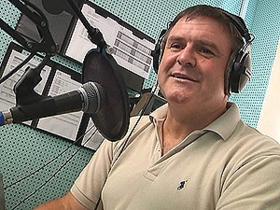 Музыка от мэра: градоначальник Северодонецка стал диджеем на местном радио