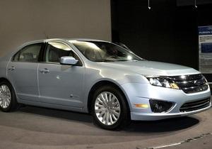 Эксперты назвали Ford Fusion Hybrid автомобилем года