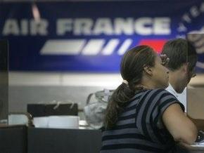 Власти Франции опубликовали список пассажиров пропавшего самолета