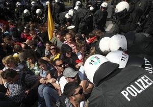 В Германии на марше неонацистов арестовали 300 антифашистов
