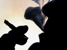 Киевским милиционерам и гаишникам запретили курить на работе