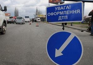 В Донецкой области маршрутка столкнулась с КамАЗом, погибла девушка