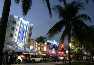 Мошенники из бывшего СССР грабили клиентов баров Майами - Би-би-си