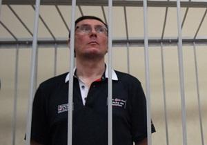 Экс-руководитель аппарата МВД удивлен, что его допрашивали по делу Луценко ночью