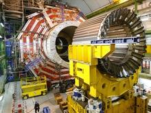 Физики рассказали, что ожидают от запуска Большого адронного коллайдера
