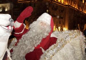 Сегодня в Киеве пройдет парад Дедов Морозов и зажгут главную новогоднюю елку