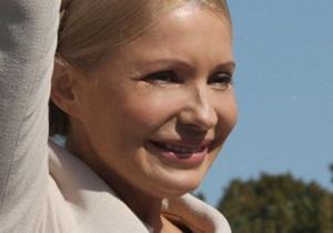 Тимошенко о дресс-коде: Королева Англии и Каддафи не попали бы в Кабмин