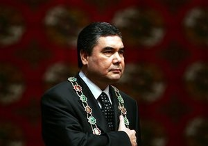 Президент Туркменистана пообещал разрешить оппозицию