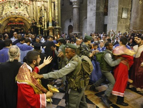 Греки и армяне устроили массовую драку в Храме Гроба Господня