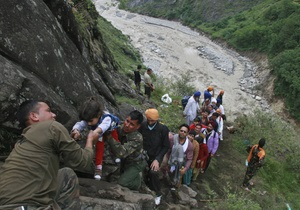 Индия - В Индии в результате наводнение более 14 тысяч человек пропали без вести