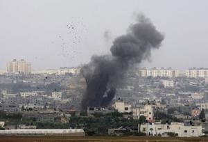 Трое палестинцев убиты в результате удара израильских ВВС