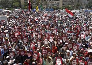 Египет - Египетские военные заявляют, что не стреляли в сторонников Мурси