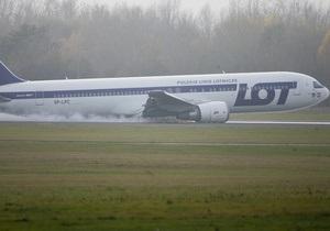 Boeing 767 рейсом из США приземлился в Варшаве без шасси