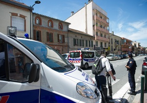 Еще одна заложница в Тулузе освобождена. По данным СМИ, преступник - душевнобольной