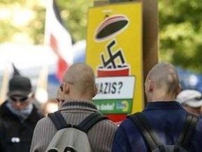 В столкновениях с антифашистами ранены десять немецких полицейских