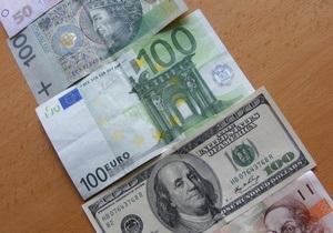 Курс доллара продолжил пике на межбанке