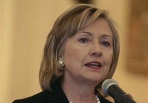 Клинтон вновь призвала Иран пересмотреть политику ядерной программы