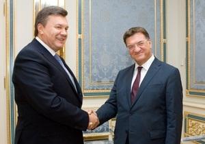 Янукович пообещал президенту ПА ОБСЕ  усовершенствовать демократические стандарты  в Украине