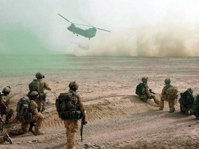 Самолет НАТО загорелся при посадке в Афганистане