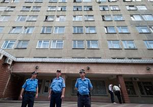 ГПС: Тимошенко угрожала, что  наставит себе на руках синяки и покажет их прессе