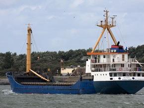 Пираты освободили судно, на борту которого находятся восемь украинцев