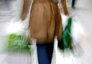 Кабмин Азарова запретил магазинам duty-free продавать товары обслуживающим пассажиров юрлицам