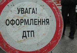 В Киеве в яму провалился автобус с детьми
