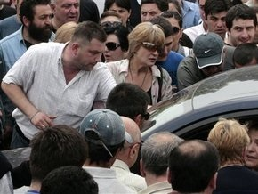 В центре Тбилиси подрались оппозиционеры и таксисты