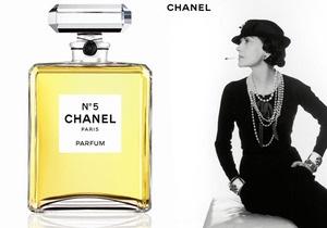 Еврокомиссия хочет запретить духи Chanel No.5