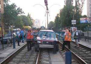 В Киеве в районе НАУ из-за ДТП движение транспорта остановилось на полтора часа