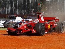 Легендарный гонщик Формулы-1 подверг обструкции пилотов Ferrari