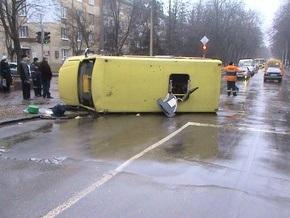 В Харькове Skoda врезалась в автобус, ранены 11 пассажиров