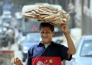 В Египте очередь за хлебом превратилась в давку: один человек погиб, еще несколько пострадали