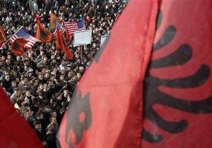 Сербия заключила договор с Косово. Клинтон расценивает его как шаг к вступлению в ЕС