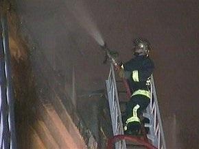В результате пожара в многоэтажном жилом доме в Париже погибли пять человек