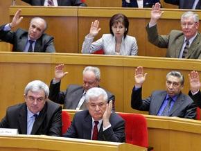 Молдавские депутаты попытаются избрать президента страны в конце октября
