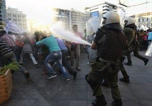 В Афинах верующие пытались сорвать показ  богохульного  спектакля. Десятки человек задержаны