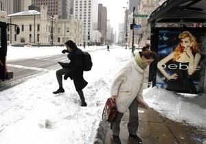 В Швеции автобусные остановки оборудуют световыми панелями, чтобы помочь жителям справиться с зимней депрессией