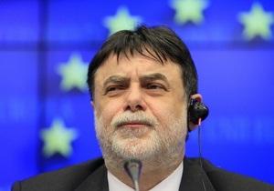 Совет ЕС ввел эмбарго на продажу оружия в Ливию