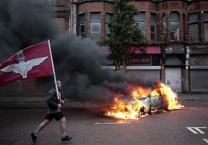 Новости Ирландии: В Белфасте в противостоянии протестантов и католиков пострадали 26 полицейских