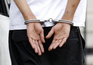 В Харькове задержаны трое мужчин, которые украли у пенсионерки продукты и кастрюли
