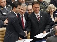 Схеффер назвал подписание протоколов с Хорватией и Албанией  историческим