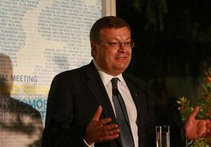 Глава МИД Украины доволен, что европейцы будут оценивать выборы по их результатам