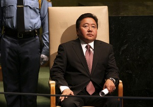 Президент Монголии намерен совершить погружение в воды Байкала