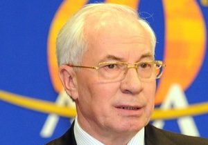 Азаров пообещал в этом году достроить окружные вокруг Харькова и Донецка