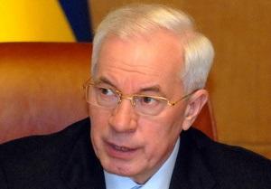 Азаров сделал Табачнику строгий выговор за акции протестов учителей