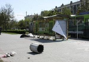После взрывов в Днепропетровске в столице убрали 16 тысяч бетонных урн
