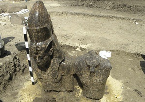В Египте обнаружили 14-метровую статую фараона Аменхотепа